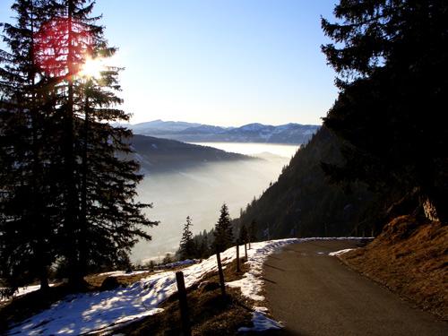 Foto: vince 51 / Wandertour / Familienwanderung auf den Spieser (1651m) / Blick über Ostrach-und Illertal zum hohen Ifen / 29.01.2007 22:14:56