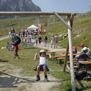 Foto: Andreas Koller / Wander Tour / Auf die Gargellner Köpfe (2482m) / Das Gebiet rund um die Bergstation der Schafbergbahn ist sehr familienfreundlich. / 01.02.2007 02:05:01