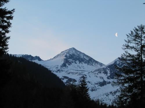 Foto: Christian Suschegg / Ski Tour / Tischfeldspitze (2268m) / Früher Start zu einer Spätfrühjahrstour / 01.02.2007 21:32:02