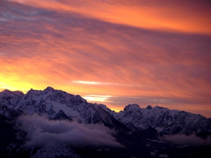 Foto: Manfred Karl / Ski Tour / Kehlstein (1837m) / Abendstimmung am Kehlstein gegen Hochkalter und Reiteralpe. / 03.02.2007 13:26:04