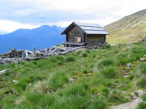 Foto: Christian Suschegg / Wander Tour / Rundweg über Tschiernock, Hochpalfennock und Tschierweger Nock / Am Rückweg zur Sommeregger Alm - an dieser kleinen Hütte vorbei. / 04.02.2007 18:06:50