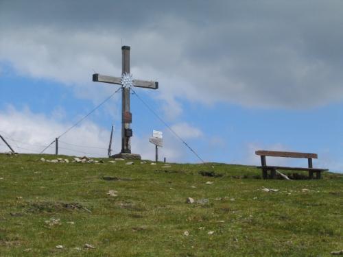 Foto: Christian Suschegg / Wander Tour / Rundweg über Tschiernock, Hochpalfennock und Tschierweger Nock / Rastplatz am Tschiernock-Gipfel / 04.02.2007 18:10:46