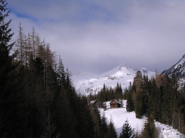 Foto: Andreas Koller / Ski Tour / Von Tweng auf den Rosskogel (2149 m) / Die Untere Neuwirthütte / 05.02.2007 21:36:21