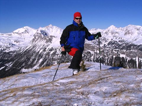 Foto: Andreas Koller / Ski Tour / Von Tweng auf den Rosskogel (2149 m) / Die letzten Meter, bei aperen Verhältnissen zu Fuß, zum Gipfel  / 05.02.2007 21:35:15