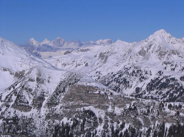 Foto: Andreas Koller / Ski Tour / Von Tweng auf den Rosskogel (2149 m) / Blick über den Radstädter Tauernpass zum Dachstein / 05.02.2007 21:35:06