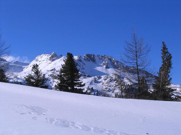Foto: Andreas Koller / Ski Tour / Von Tweng auf den Rosskogel (2149 m) / Der Hochfeindkamm / 05.02.2007 21:36:02
