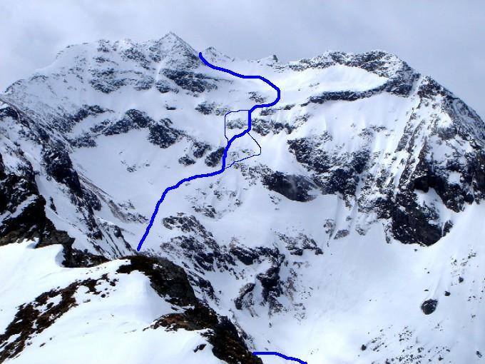 Foto: Manfred Karl / Ski Tour / Gamskarspitz (2491m) / Eingezeichnet ist die Aufstiegsroute im oberen Teil des Fockenkares mit den in der Anstiegsbeschreibung erwähnten beiden Varianten sowohl für Aufstieg als auch Abfahrt. / 08.02.2007 20:02:01