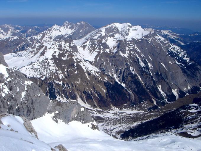 Foto: Manfred Karl / Ski Tour / Hochglück (2573m) / Tiefblick vom Gipfel in die Eng. / 09.02.2007 07:25:13