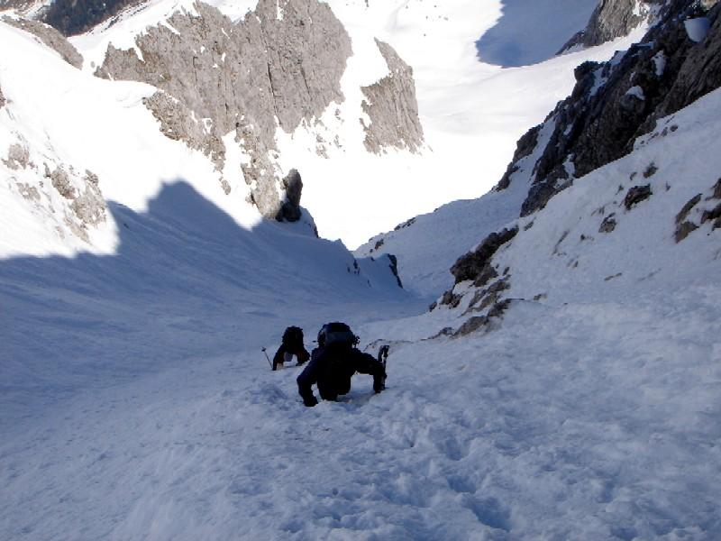 Foto: Manfred Karl / Ski Tour / Hochglück (2573m) / In der steilen Nordrinne, bei hartem Schnee oder Vereisung ein alpiner Gipfelgang. / 09.02.2007 07:26:30