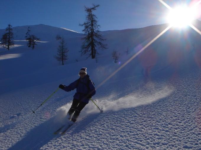 Foto: Manfred Karl / Ski Tour / Rund um den Heidentempel / Abfahrt vom Schönweidkogel. / 10.02.2007 10:09:13