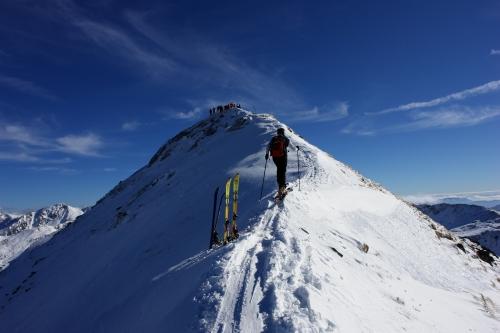 Foto: Christian Suschegg / Ski Tour / Über die Ebenbachalm auf den Hochwart (2301m) / Über den kurzen Nordwestgrat auf den Gipfel. / 11.02.2007 21:08:50