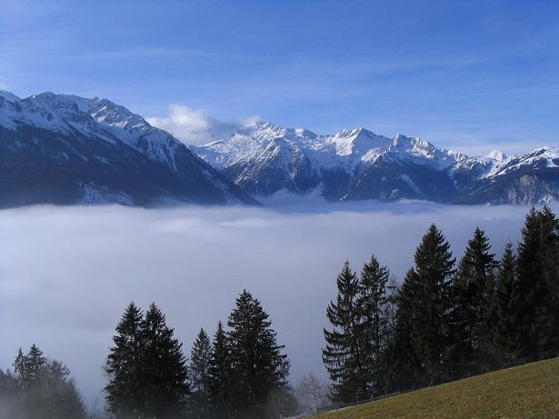 Foto: Andreas Koller / Schneeschuh Tour / Durch das Dürnbachtal auf den Rossberg (2185 m) / Blick nach SW in den Oberpinzgau / 12.02.2007 03:33:41