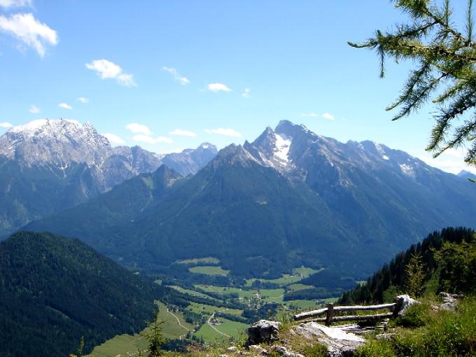 Foto: Manfred Karl / Wander Tour / Karspitz (1641m) / Genussreich ist die Rast am Gipfelbankerl. / 12.02.2007 06:50:40
