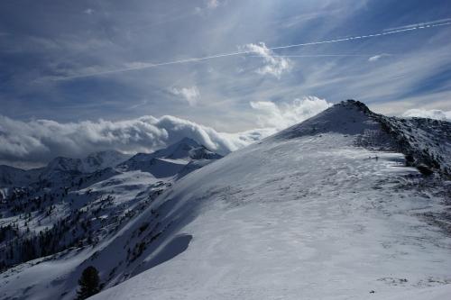 Foto: Christian Suschegg / Ski Tour / Ahornkogl (2001m) / Blick nach Südosten Richtung Hochwart / 12.02.2007 19:31:30