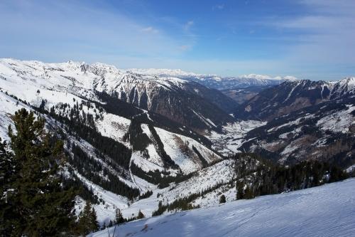 Foto: Christian Suschegg / Ski Tour / Ahornkogl (2001m) / Tiefblick nach Donnersbachwald / 12.02.2007 19:34:44