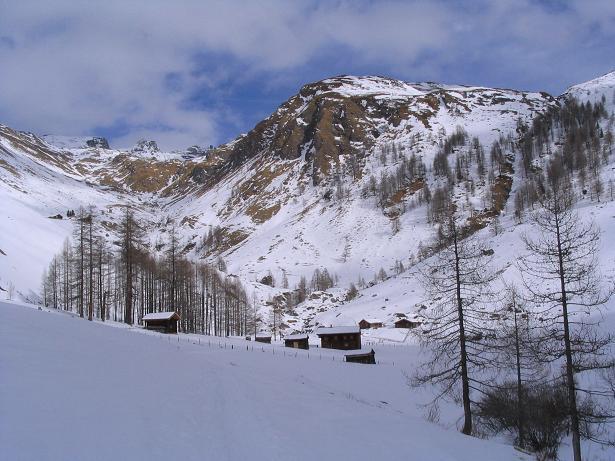Foto: Andreas Koller / Ski Tour / Vom Sadnighaus auf die Melenwand (2570 m) / Suntinger Alm im Talschluss / 12.02.2007 13:56:50