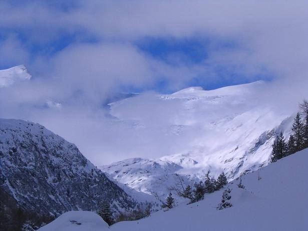 Foto: Andreas Koller / Skitour / Innergschlöss und Zeigerpalfen (2506 m) / Erster Blick auf den Großvenediger mit dem Schlatenkees / 12.02.2007 19:37:03