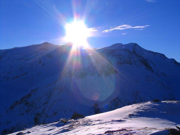 Foto: Andreas Koller / Skitour / Innergschlöss und Zeigerpalfen (2506 m) / Die letzten Sonnenstrahlen über dem Großvenediger / 12.02.2007 19:28:55