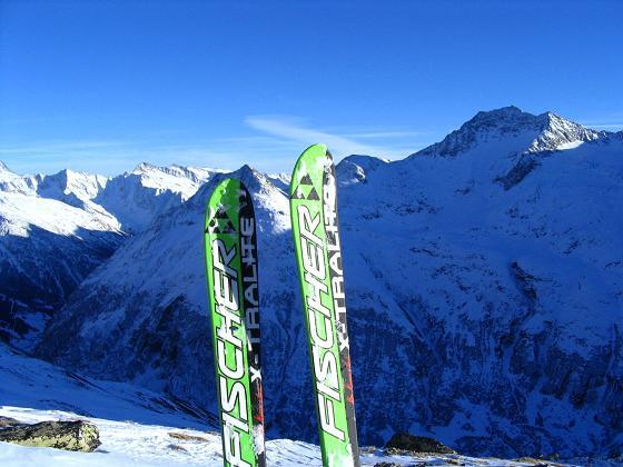 Foto: Andreas Koller / Skitour / Innergschlöss und Zeigerpalfen (2506 m) / Blick nach SO zur Granatspitz- und Glocknergruppe / 12.02.2007 19:26:04