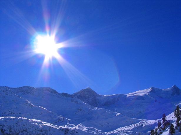 Foto: Andreas Koller / Skitour / Innergschlöss und Zeigerpalfen (2506 m) / Kristallwand (3318 m), Hoher Zaun (3467 m) und Schwarze Wand (3511 m) / 12.02.2007 19:33:21