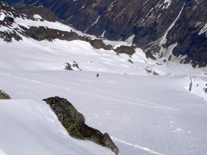 Foto: Manfred Karl / Ski Tour / Habachspitze (3064m) / Blick hinunter ins Mitterkarl. / 13.02.2007 20:33:46