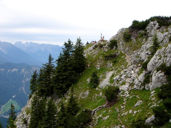 Foto: Manfred Karl / Wander Tour / Brettgabel (1805m) / Vor wenigen Jahren noch ein Geheimtipp, der sogar ein verstecktes Gipfelbuch für Einheimische aufliegen hatte - jetzt schon fast eine Modetour. / 15.02.2007 20:10:34