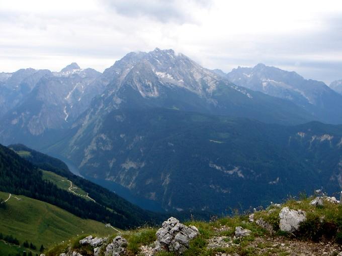 Foto: Manfred Karl / Wander Tour / Brettgabel (1805m) / Die großen Berchtesgadener Gipfel liegen aufgefädelt vor einem: Großer Hundstod, Watzmann, Hochkalter, Reiteralm. / 15.02.2007 20:13:05