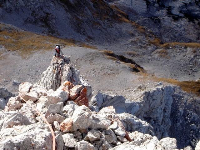 Foto: Manfred Karl / Kletter Tour / Südwestgrat auf den Hundstod IV- / Im obersten Teil des Grates ist der Fels stellenweise brüchig und recht luftig. / 15.02.2007 22:10:49