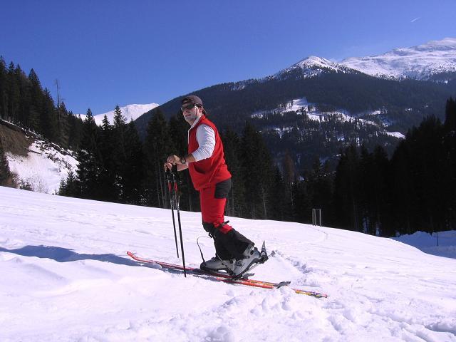 Foto: Andreas Koller / Skitour / Seekoppe (2150m) / Nur kurz wird das Gelände frei, ehe man einen Waldgürtel zu durchqueren hat / 18.02.2007 23:50:04