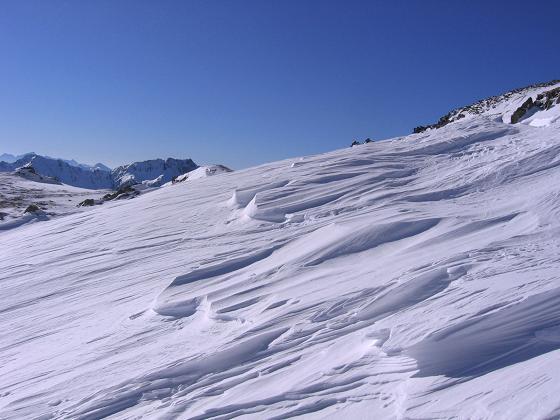 Foto: Andreas Koller / Skitour / Seekoppe (2150m) / Am Grat wird der Blick nach W frei / 18.02.2007 23:44:49