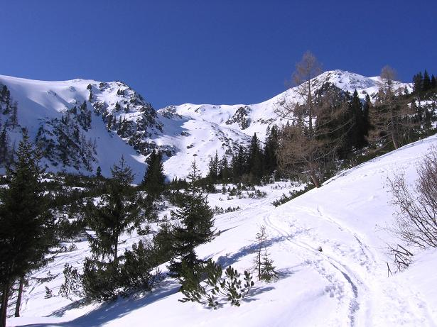 Foto: Andreas Koller / Skitour / Seekoppe (2150m) / Im W begrenzt der Hochrettelstein das Panorama / 18.02.2007 23:48:52
