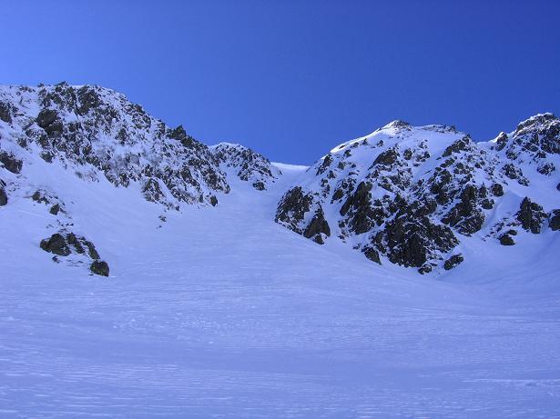 Foto: Andreas Koller / Skitour / Seekoppe (2150m) / Passage unterhalb der Scharfen Wand / 18.02.2007 23:46:31