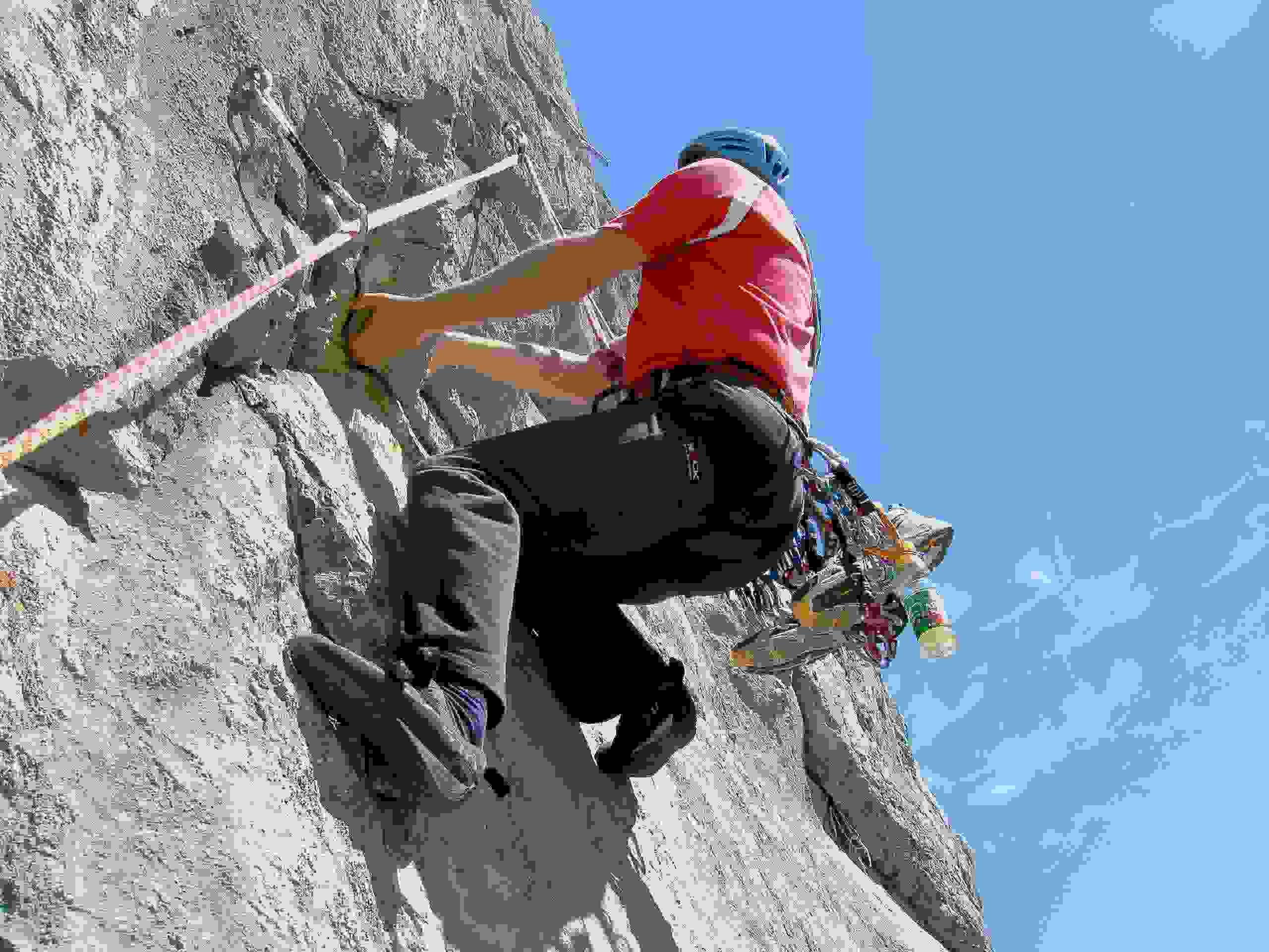 Foto: Kühberger Rudolf / Kletter Tour / Der wahre Kletterwahnsinn VIII+ / Schmid Albert im Überhang der 4. Sl.  8+ / 05.03.2007 15:48:26