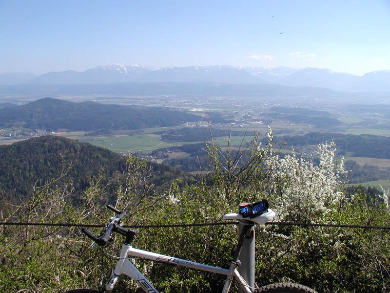 Foto: mongfevned / Mountainbike Tour / Klagenfurt - Ulrichsberg / Aussicht / 20.04.2007 16:15:39