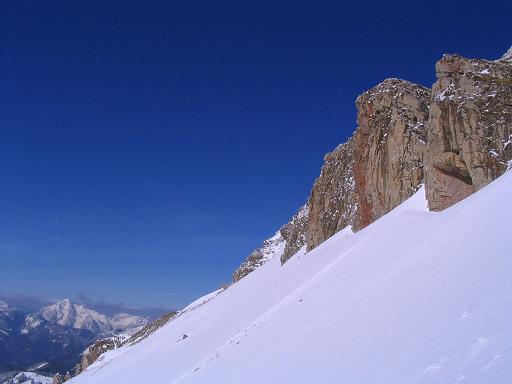 Foto: Andreas Koller / Skitour / Aus der Eisenerzer Ramsau auf drei Gipfel (2070 m) / Felsformationen am Wildfeld / 12.03.2007 13:35:57