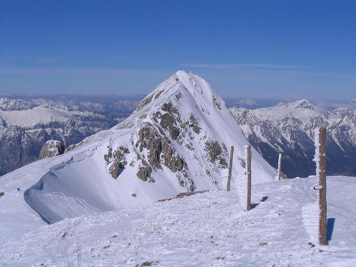Foto: Andreas Koller / Skitour / Aus der Eisenerzer Ramsau auf drei Gipfel (2070 m) / Der Stadelstein mit SW-Grat vom Speikkogel / 12.03.2007 13:34:11