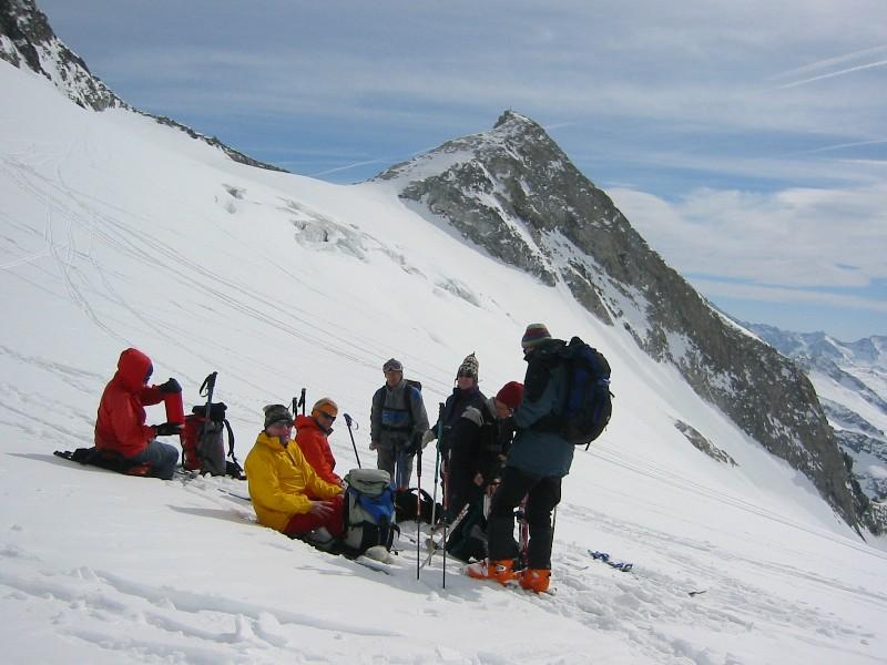 Foto: mucho / Ski Tour / Kuchelmooskopf (3214m) / Rast unter der Schönachschneid mit Kuchelmooskopf / 18.03.2007 14:22:56