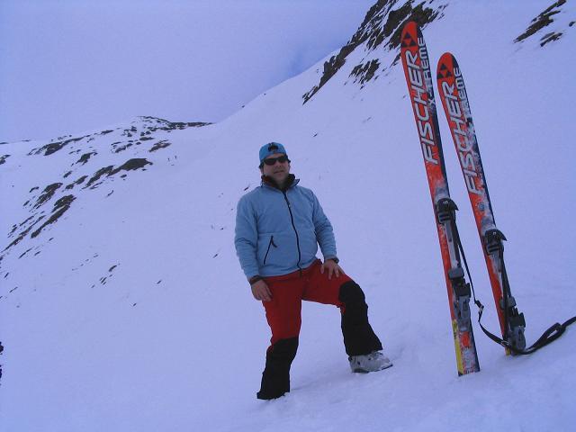 Foto: Andreas Koller / Skitour / Grindlspitze (2635m) und Rastkogel (2762m) / Unterhalb des Hoarbergjochs, das deutlich zu erkennen ist / 06.04.2007 11:09:27