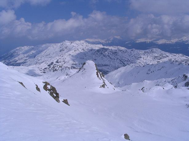 Foto: Andreas Koller / Skitour / Grindlspitze (2635m) und Rastkogel (2762m) / Blick nach N in das Herz der Tuxer Voralpen / 06.04.2007 11:07:24