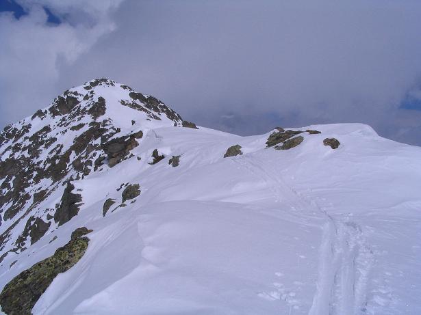 Foto: Andreas Koller / Skitour / Grindlspitze (2635m) und Rastkogel (2762m) / Am Grat dem Rastkogel entgegen / 06.04.2007 11:07:05