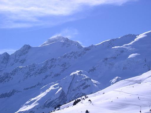 Foto: Andreas Koller / Ski Tour / Aus dem Falbanairtal auf Tiergartenspitze (3068 m)  und Mitterlochspitze (3174 m) / Alles überragend: die Weißkugel (3739 m) / 06.04.2007 19:09:51