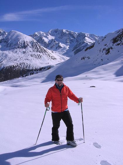 Foto: Andreas Koller / Ski Tour / Aus dem Falbanairtal auf Tiergartenspitze (3068 m)  und Mitterlochspitze (3174 m) / Über dem Langtauferer Tal grüßt die Weißseespitze / 06.04.2007 19:09:33