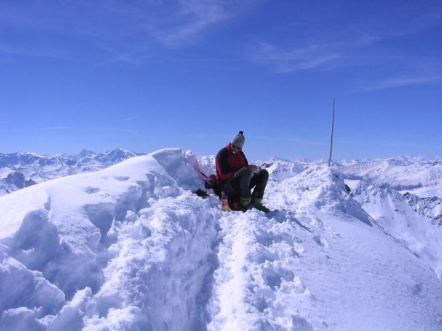 Foto: Andreas Koller / Ski Tour / Aus dem Falbanairtal auf Tiergartenspitze (3068 m)  und Mitterlochspitze (3174 m) / Der kleine Gipfel der Mittleren Lochspitze / 06.04.2007 19:05:42