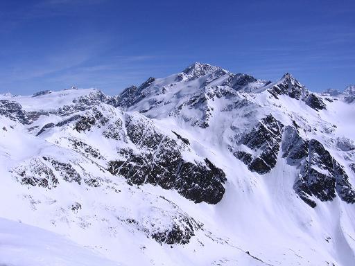 Foto: Andreas Koller / Ski Tour / Aus dem Falbanairtal auf Tiergartenspitze (3068 m)  und Mitterlochspitze (3174 m) / Ganz nahe grüßt die Weißkugel (3739 m) / 06.04.2007 19:03:58