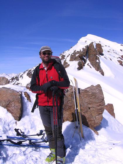 Foto: Andreas Koller / Ski Tour / Aus dem Falbanairtal auf Tiergartenspitze (3068 m)  und Mitterlochspitze (3174 m) / Von der Scharte auf kurzem Grat auf die Tiergartenspitze / 06.04.2007 19:07:46