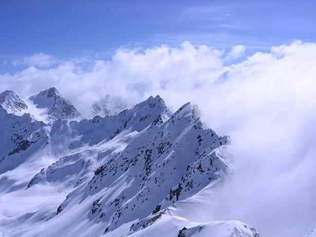 Foto: Andreas Koller / Ski Tour / Durch das stille Kaiserbergtal auf die Platzerspitze (3098m) / Die Kaiserspitzen (3089 m) / 06.04.2007 19:38:07