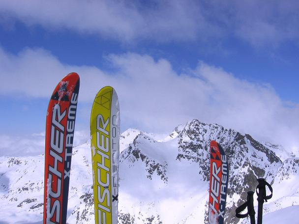 Foto: Andreas Koller / Ski Tour / Durch das stille Kaiserbergtal auf die Platzerspitze (3098m) / Blick vom Gratansatz nach N / 06.04.2007 19:36:43