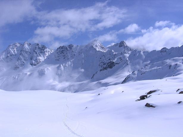 Foto: Andreas Koller / Ski Tour / Durch das stille Kaiserbergtal auf die Platzerspitze (3098m) / Weite Hänge im obersten Kaiserbergtal / 06.04.2007 19:36:12
