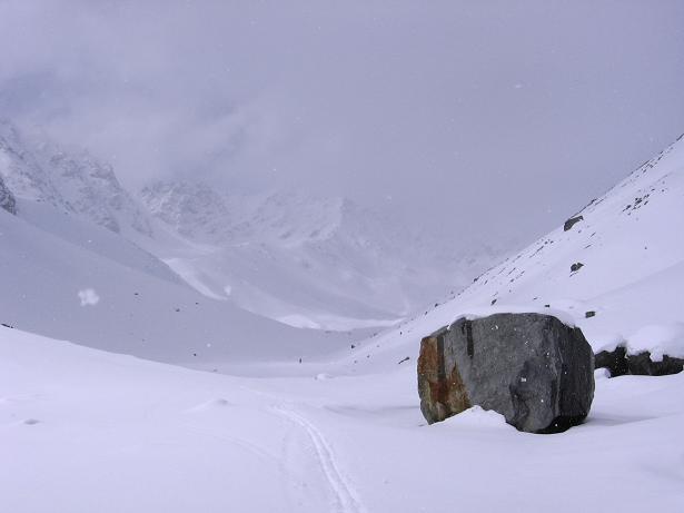 Foto: Andreas Koller / Ski Tour / Durch das stille Kaiserbergtal auf die Platzerspitze (3098m) / Das stille Kaiserbergtal / 06.04.2007 19:43:46