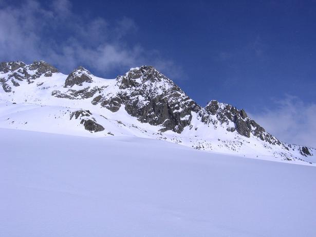 Foto: Andreas Koller / Ski Tour / Durch das stille Kaiserbergtal auf die Platzerspitze (3098m) / Der Plattigkopf (3170 m) im obersten Kaiserbergtal / 06.04.2007 19:40:45